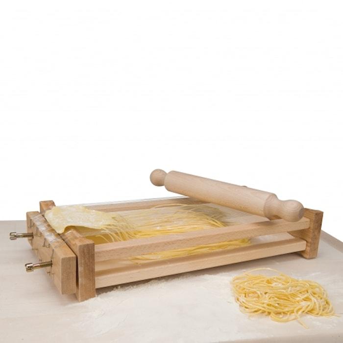 Chitarra pastaskjærer med kjevle